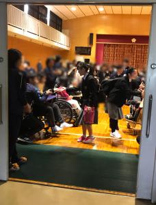 川西養護学校の文化祭に行きました。