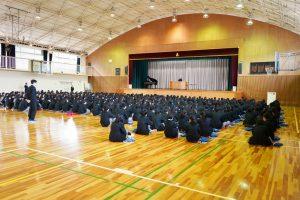 12/24 2学期終業式・表彰伝達を行いました